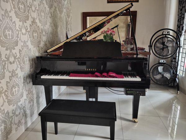 PIANO YAMAHA BEBY GRAND GB1 K DISCLAVARI