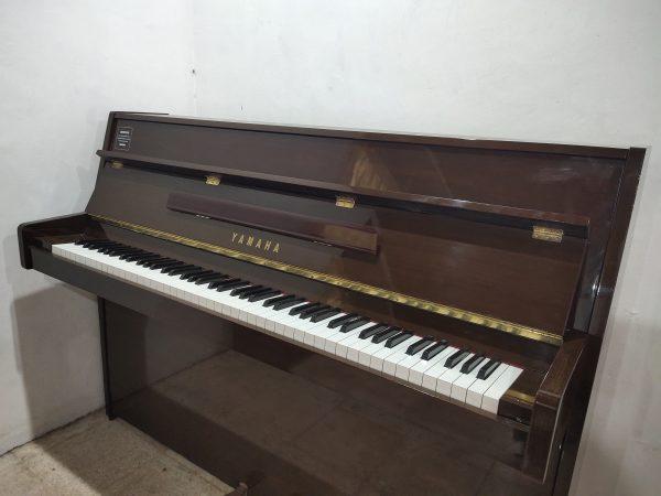 PIANO YAMAHA LU-80 PM COKELAT