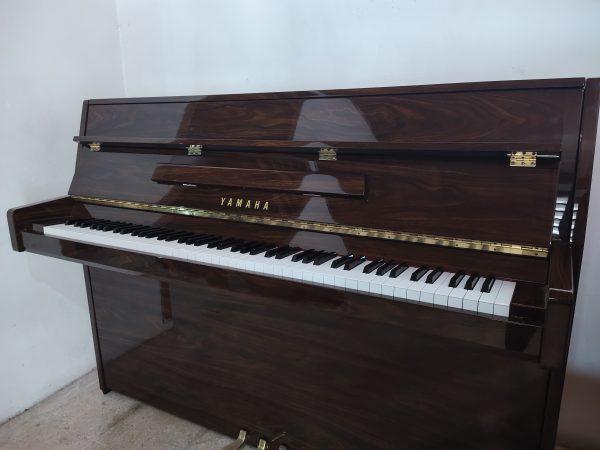 PIANO YAMAHA JU 109 PW